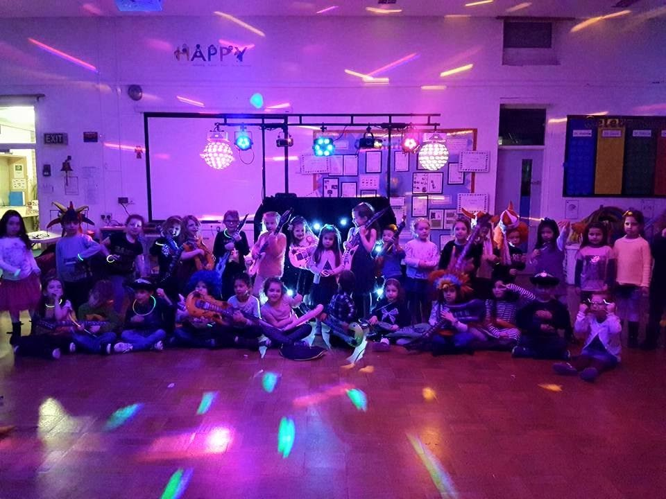 Kids DJ - Glow group photo