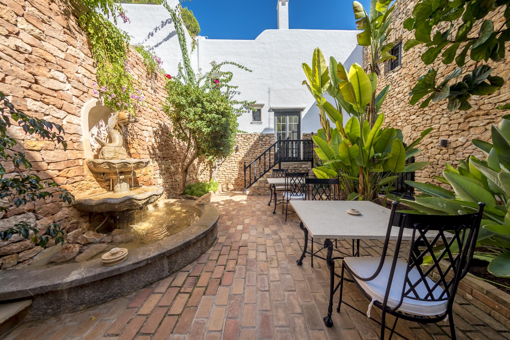 cansaroca Ibiza
