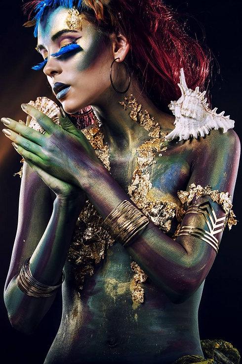 Fantasy Woman - Collor- full Beauty Art