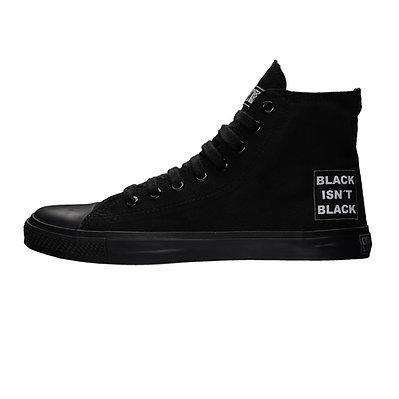 SNEAKER BLACK ISN'T BLACK