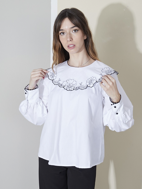 Embroidered puritan collar blouse