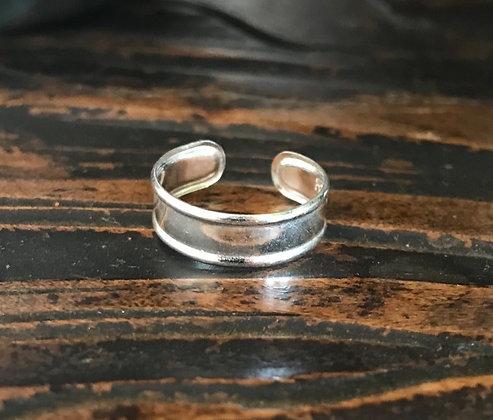Plain Silver Ridged Toe / Midi Ring