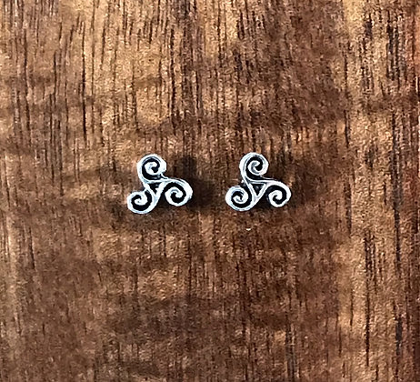 Triple spiral silver ear studs