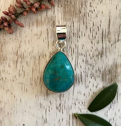 Tear drop semi precious stone pendant
