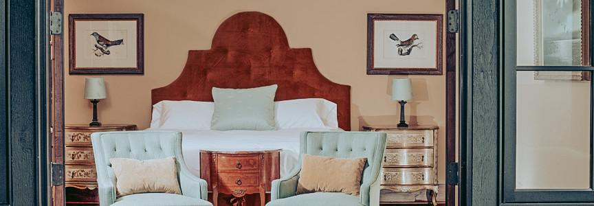 downstairs_bedroom_2_lookingin_lo.JPG