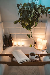 a-romantic-setting-in-the-bathroom-40993