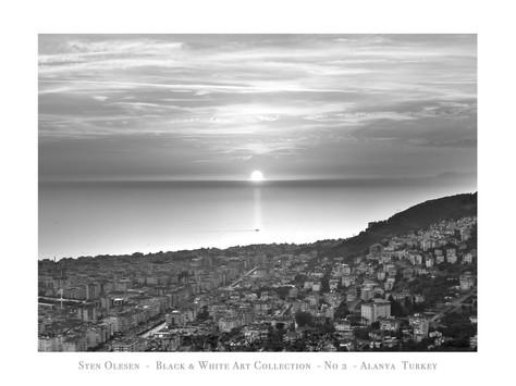 Black & White no 2.jpg