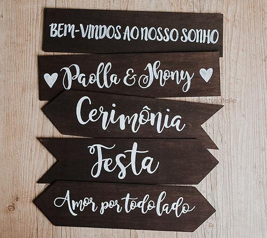 Placa Seta de Madeira Rústica