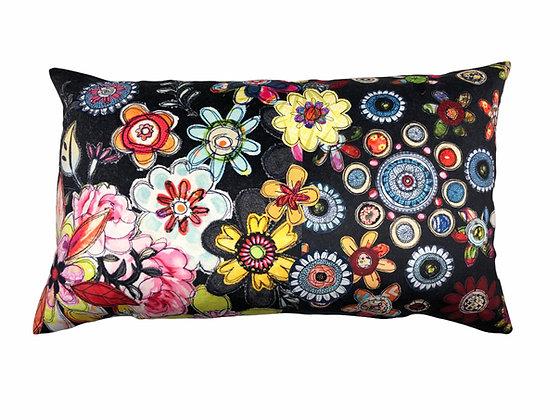 flowery spiral mash with appliqué details