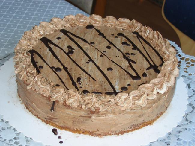 Schoko-Nuss-Nougat-Torte