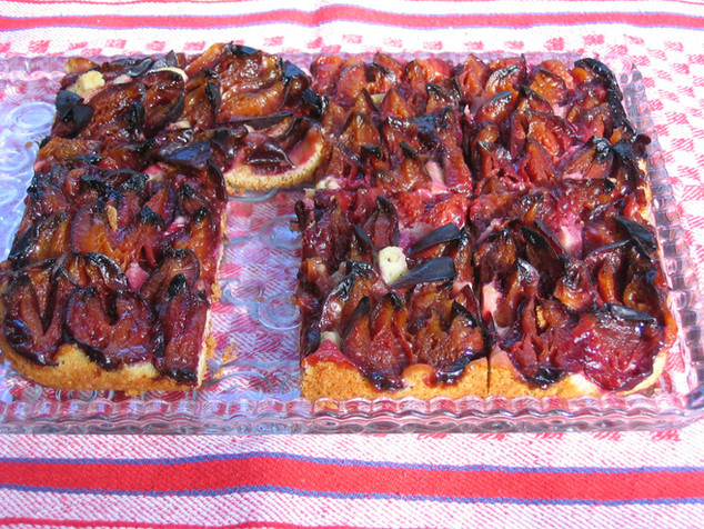 Pflaumenkuchen mit Rührteig