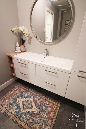 Vanité de salle de bain épurée