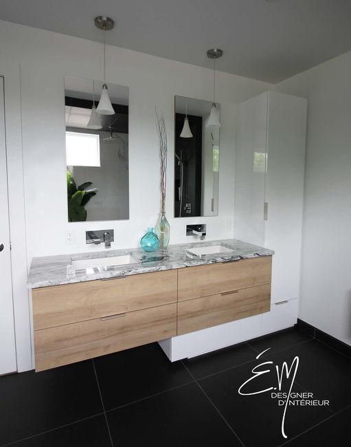 Vanité de salle de bain avec lavabo double