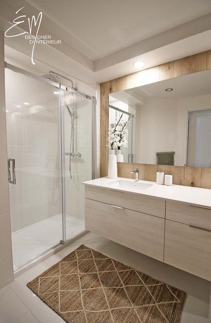Rénovation de salle de bain avec ajout d'une douche complète en céramique