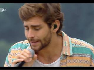 Alvaro performed his hit Yo Contigo Tu Conmigo on the German TV-show Die Grobe Drei-Länder Show last