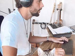Alvaro is very busy working on his new album. Some photos of Alvaro in the studio