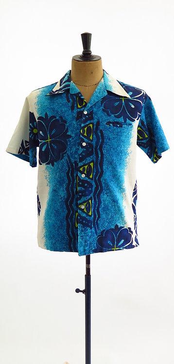 """1970s """"Akamai Hawaii"""" Hawaiian Shirt - L / XL"""