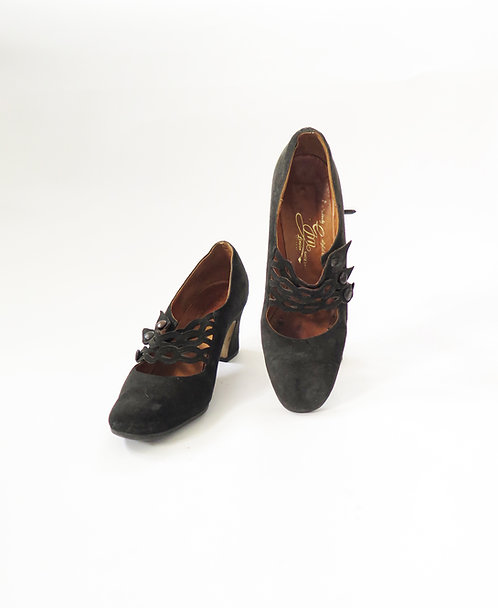 Original Vintage 1930s 1940s Black Suede Leather Court Shoes
