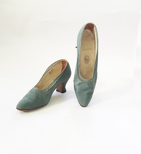 LDeco 1920 - 1930s Green Satin Court Shoes