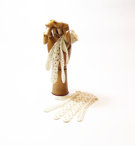 1930s French Crocheted Gloves