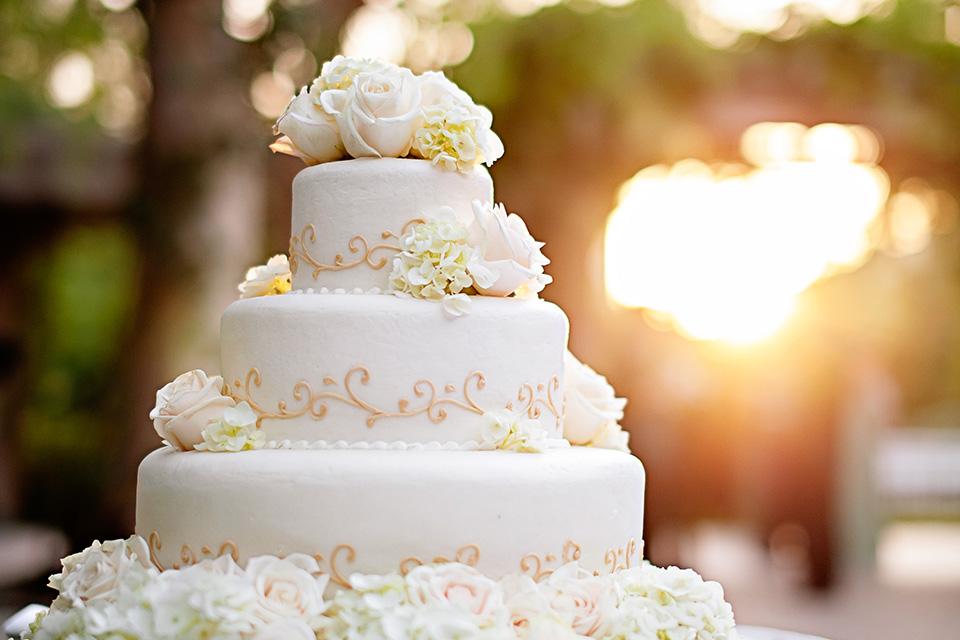 VALEN_P005_Wedding_Cake-copy-4tile