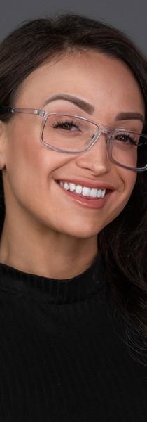 Yessenia w_glasses