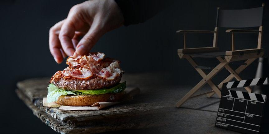 chef-making-burger-RDV45LJ_edited.jpg