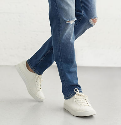 Jeans-w-shoes_In-story_wash_.jpg