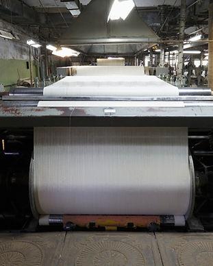 industrial-textile-loom-H7HRE82.jpg