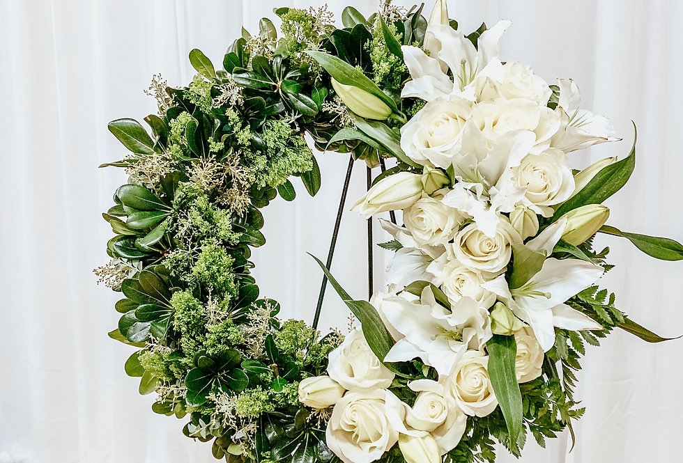 Blooming Ivory and Greens Wreath Easel