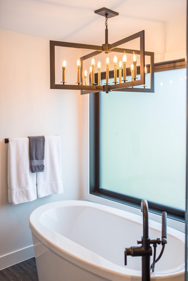 Bathtub & Ceiling Light Fixture