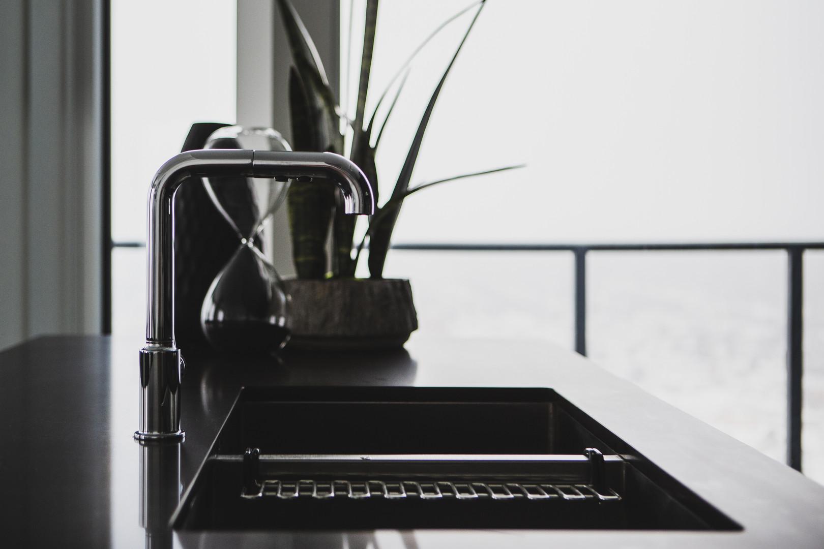 Kitchen Sink & Tap