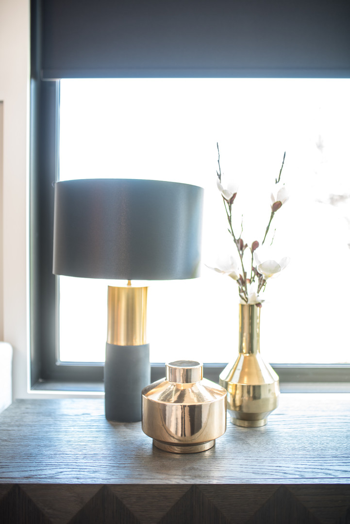 Night Table Lamp & Decor