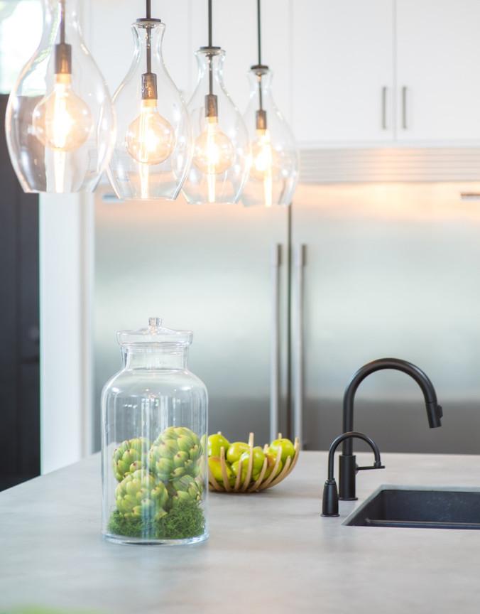 Kitchen Island Lighting & Decor
