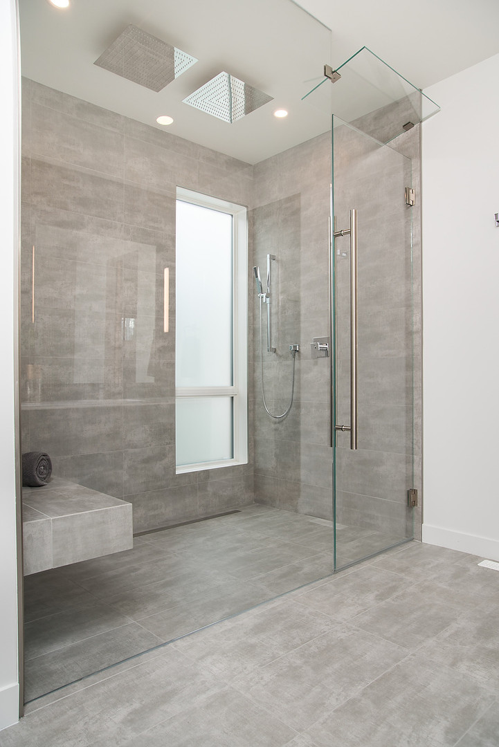 Master Ensuite Shower Stall