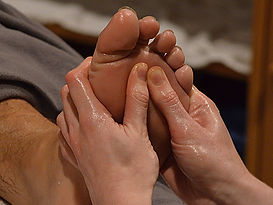 reflexology pain relief massage therapy