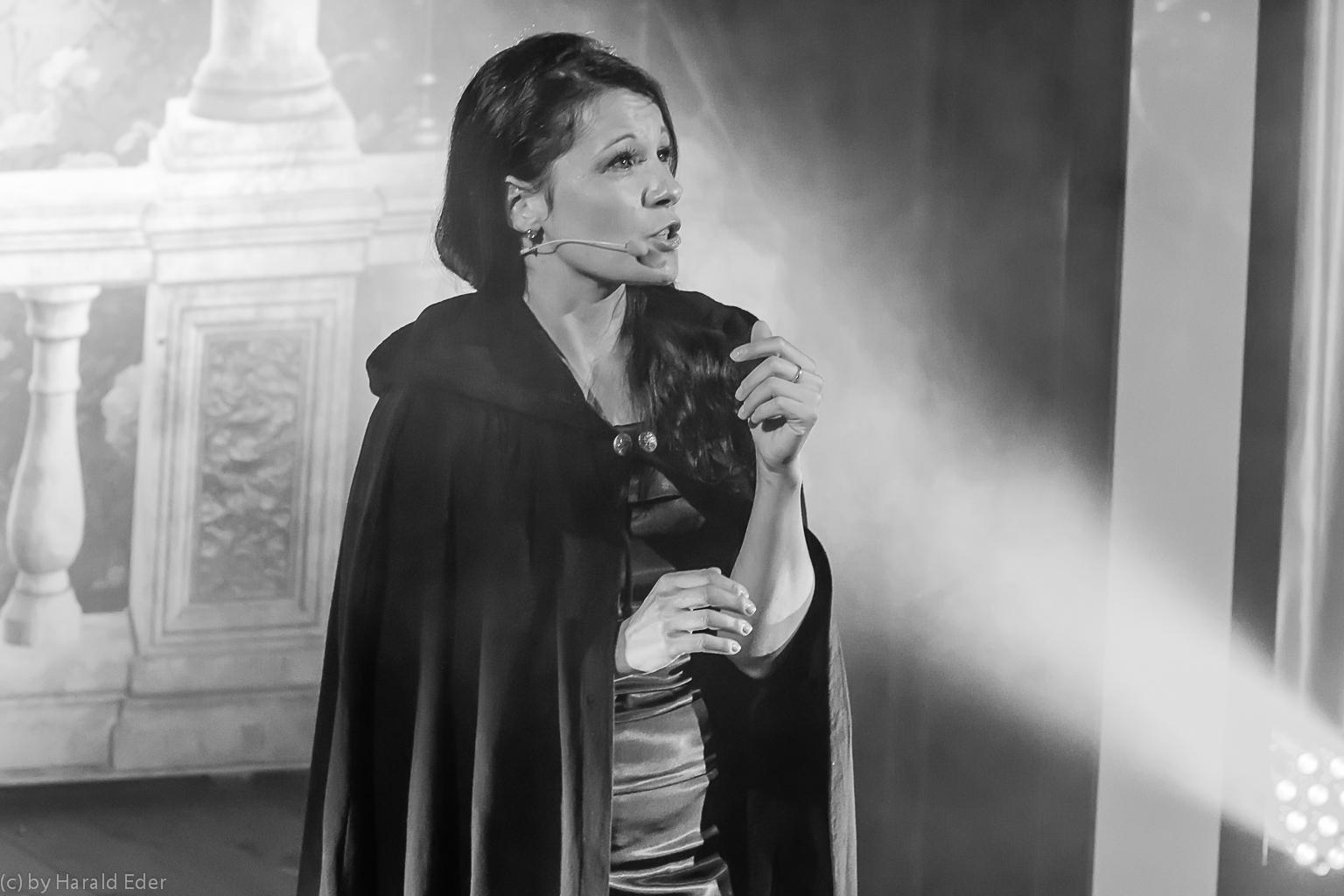 Jennifer Eder im Phantom der Oper