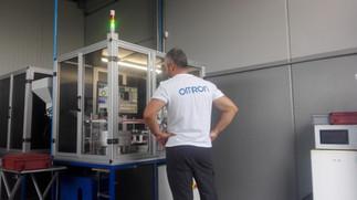 Sistema di visione sviluppato con Omron per misure dimensionali precisione 0.01mm