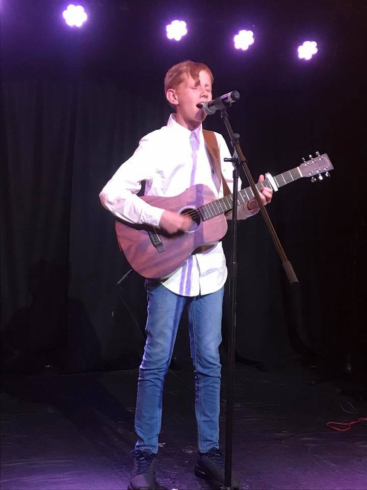 Teenage singing and guitar lessons for boys Glasgow