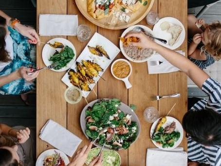 ¿Porque debemos salir a comer en familia más a menudo?