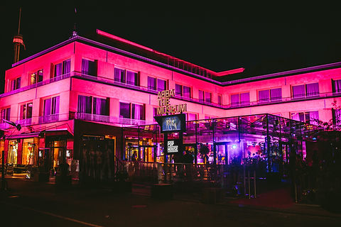 POP HOUSE Pink Light Building_POP HOUSE