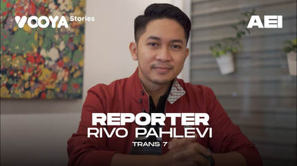 Reporter with Rivo Pahlevi