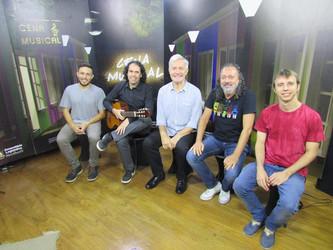 Programa Cena Musical do dia 16/03 tem Roberto Haag como atração