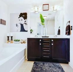 Stonecrest bathroom