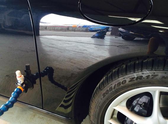 Porsche Wing Dent