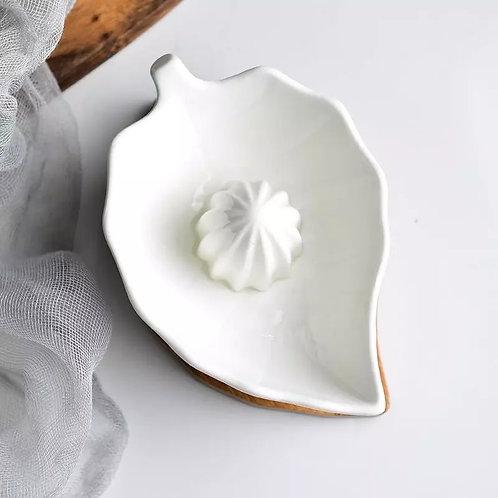 Ceramic Leaf Lemon Squeezer