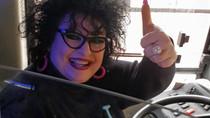 İtalya'da Bir Bayan Şoför!