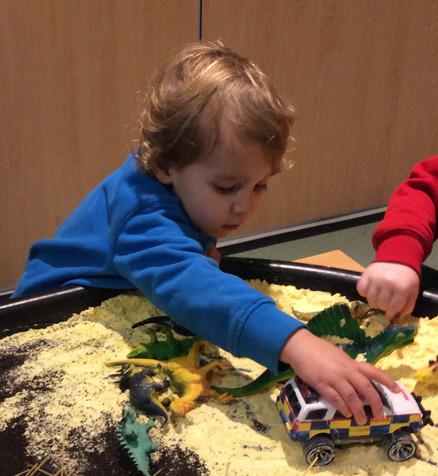 Creative tuff trays to develop imagination