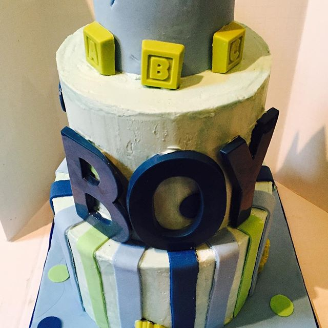 #babyshower #cake #bluevelvet #sourcreampoundcake #swissmeringuebuttercream #eastharlem #nyc #yummy