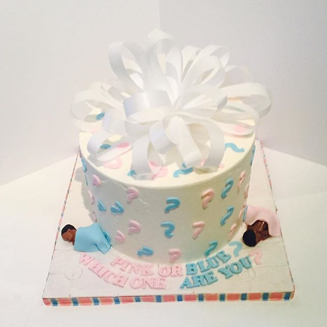 Pink or Blue, Which One are You_ #treatmaker #cakemaker #yummy #newyorkcitycakes #nyc #eastharlem #b